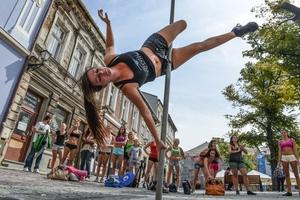 Street pole dance w Bielsku-Białej