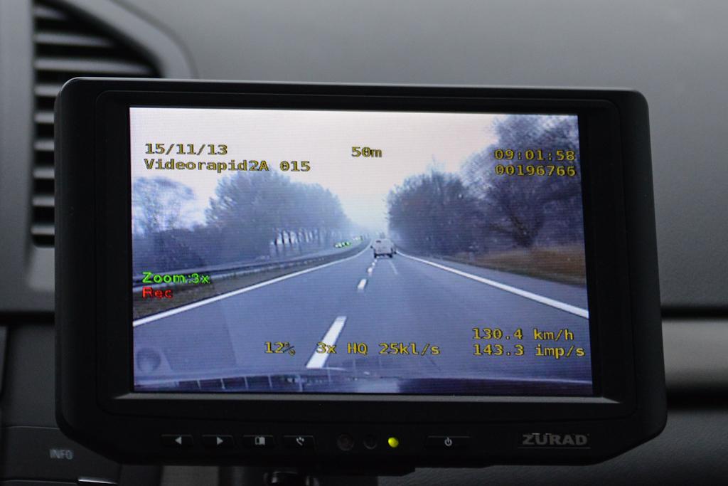 Wideorejestrator wOplu Insignia- radiowozie, przekroczenie prędkości
