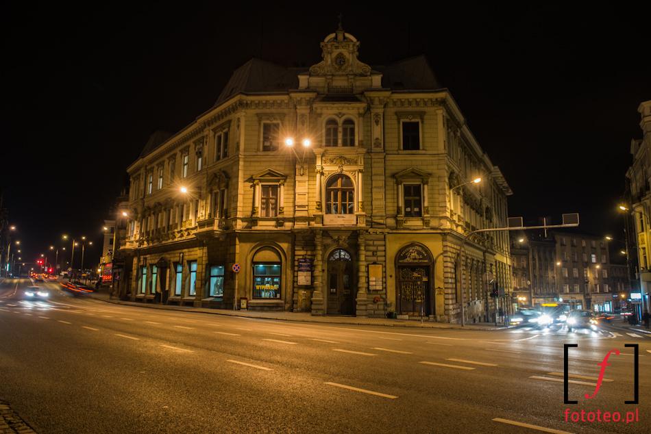 Bielsko-Biała nocą, Kamienica Patria, róg ul.3 maja iul. Stojałowskiego