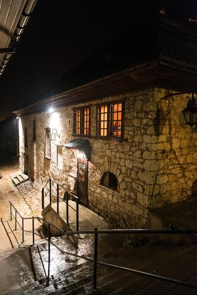 Kazimierz Dolny nadWisłą, synagoga żydowska nocą