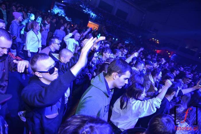 Publiczność w hali pod Dębowcem, koncert