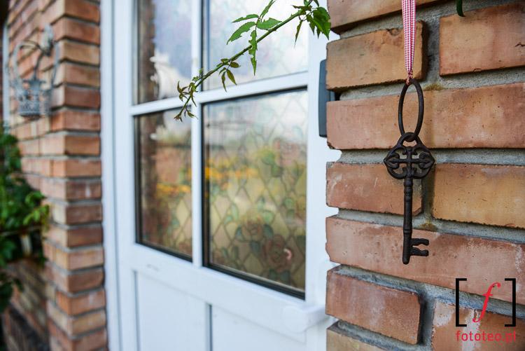 Ozdobne drzwi do domku letniego