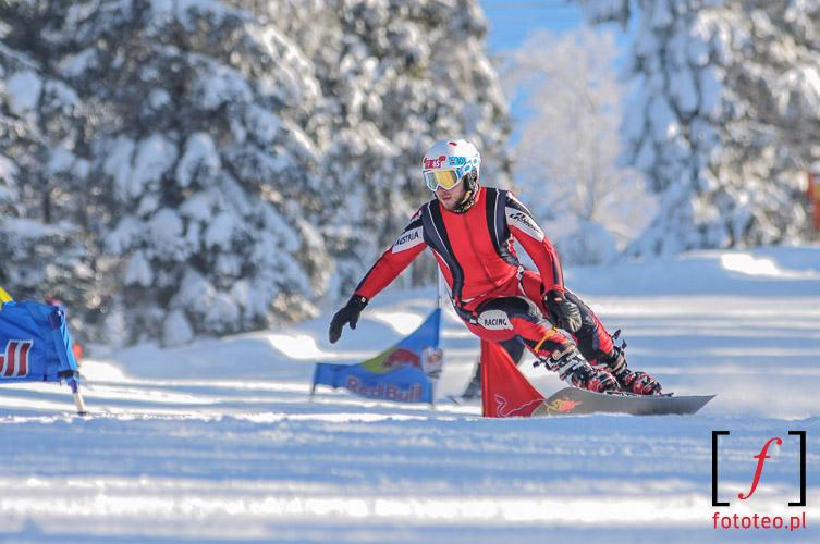 Beskidy zima. Snowboard