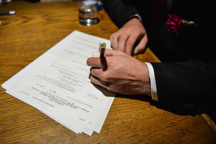Podpisywanie dokumentow slubnych