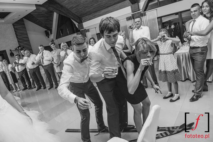Gry i zabawy weselne, narty