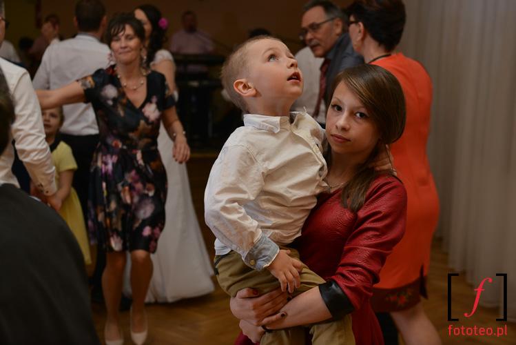 Dzieci podczas wesela