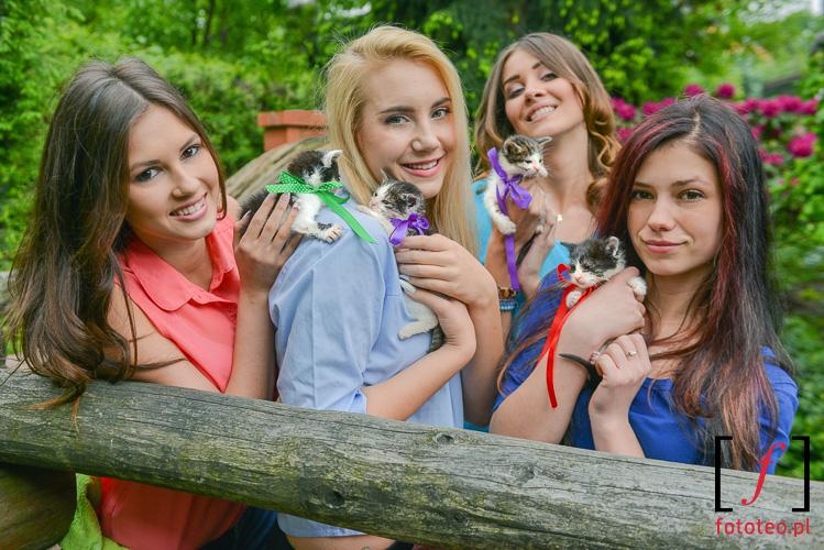 Fotografia z kalendarza. Modelki Patrycja Więcek, Angelika Adamek, Angelika Wiciejowska, Katarzyna Berdychowska